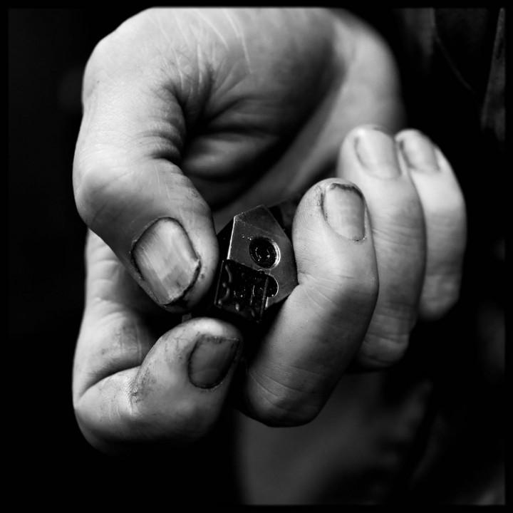 Tourneur fraiseur - la main et l'outil -